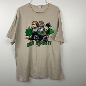 Duck dynasty Graphic Tee!